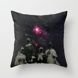Untergang · Der Blick ins Universum Throw Pillow