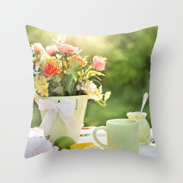 cake color cup Throw Pillow