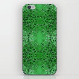 LoVinG V - green iPhone Skin