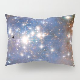 Star cluster Trumpler 14 in the Milky Way (NASA/ESA Hubble Space Telescope) Pillow Sham