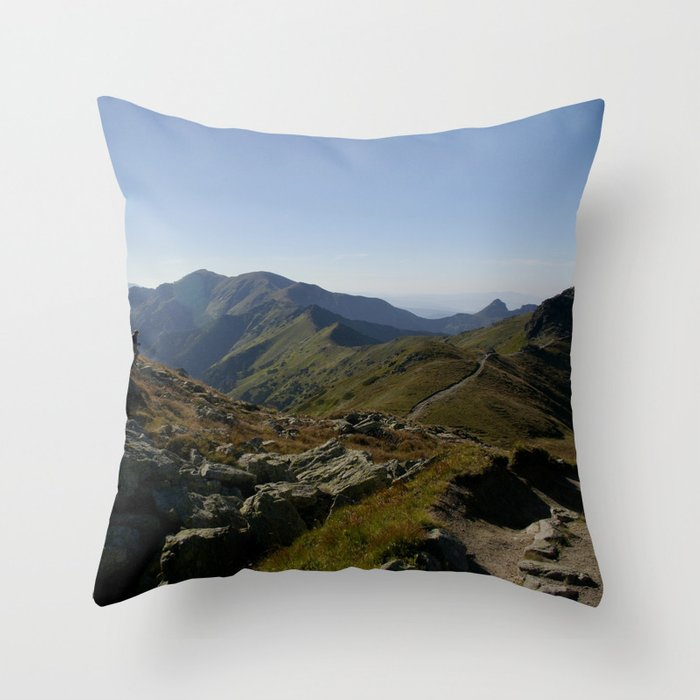 Czerwone Wierchy latem Throw Pillow