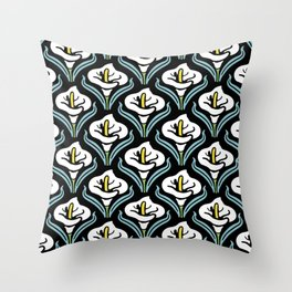 Calla Lily Pattern Throw Pillow