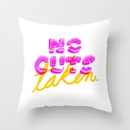 No Coger Corte Throw Pillow