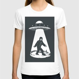 Bigfoot abducted by UFO T-shirt