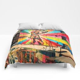 Street Art Mural, Times Square Kiss Recreation Comforters