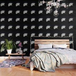 Ginkgo on black Wallpaper