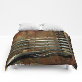 Detail Rusted International Truck 2 Comforters