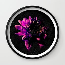 Crisantemo Wall Clock