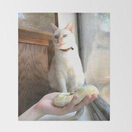 Cat No Banana Snek Throw Blanket