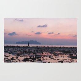 Crabbing at dawn Rug