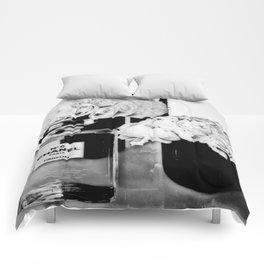 CHANELNo. 5 Black and White Comforters