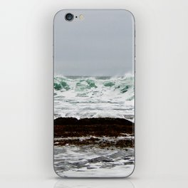 Green Wave Breaking iPhone Skin