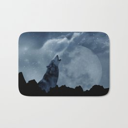 Wolf howling at full moon Bath Mat