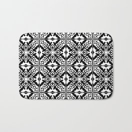 Moroccan Tile Pattern in Black and White Badematte