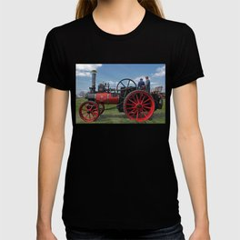 Chieftain traction engine T-shirt