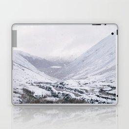 Heavy snow falling over the Kirkstone Pass. Cumbria, UK. Laptop & iPad Skin