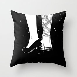 I'm a good woman and a bad girl Throw Pillow