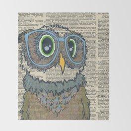 Owl wearing glasses Throw Blanket