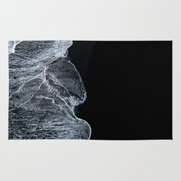 Waves on a black sand beach in iceland - minimalist Landscape Photography Rug
