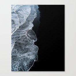 Waves on a black sand beach in iceland - minimalist Landscape Photography Leinwanddruck