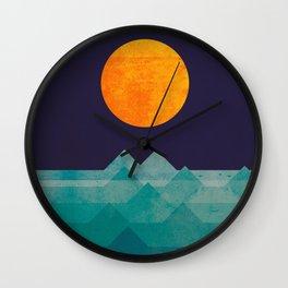 The ocean, the sea, the wave - night scene Wall Clock