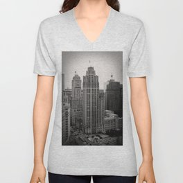 Chicago Tribune Tower Building Black and White Photo Unisex V-Neck