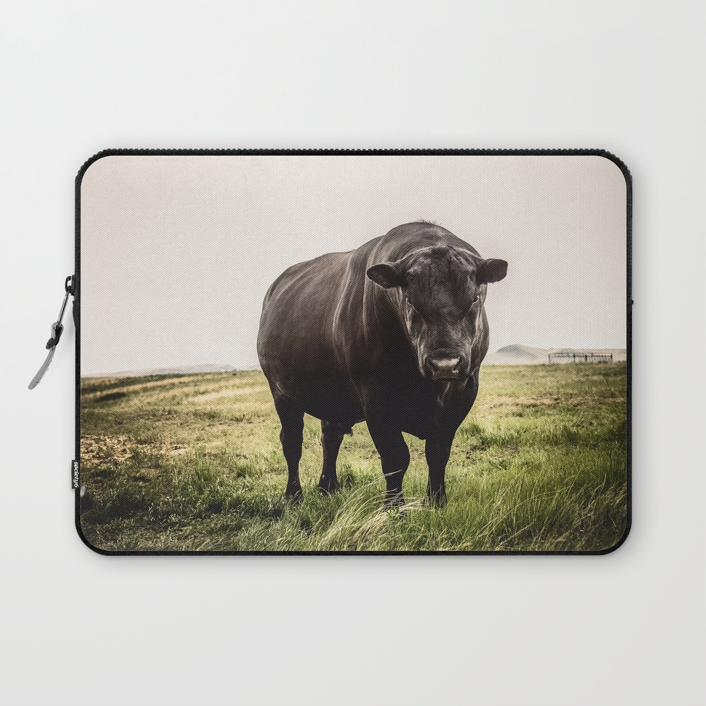 Big Black Angus Bull Laptop Sleeve LSV8646793