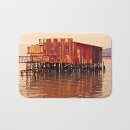 Old Red Net Shed, Building on Pier, Columbia River, Astoria Oregon Bath Mat