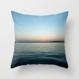 Subtle sunset Throw Pillow